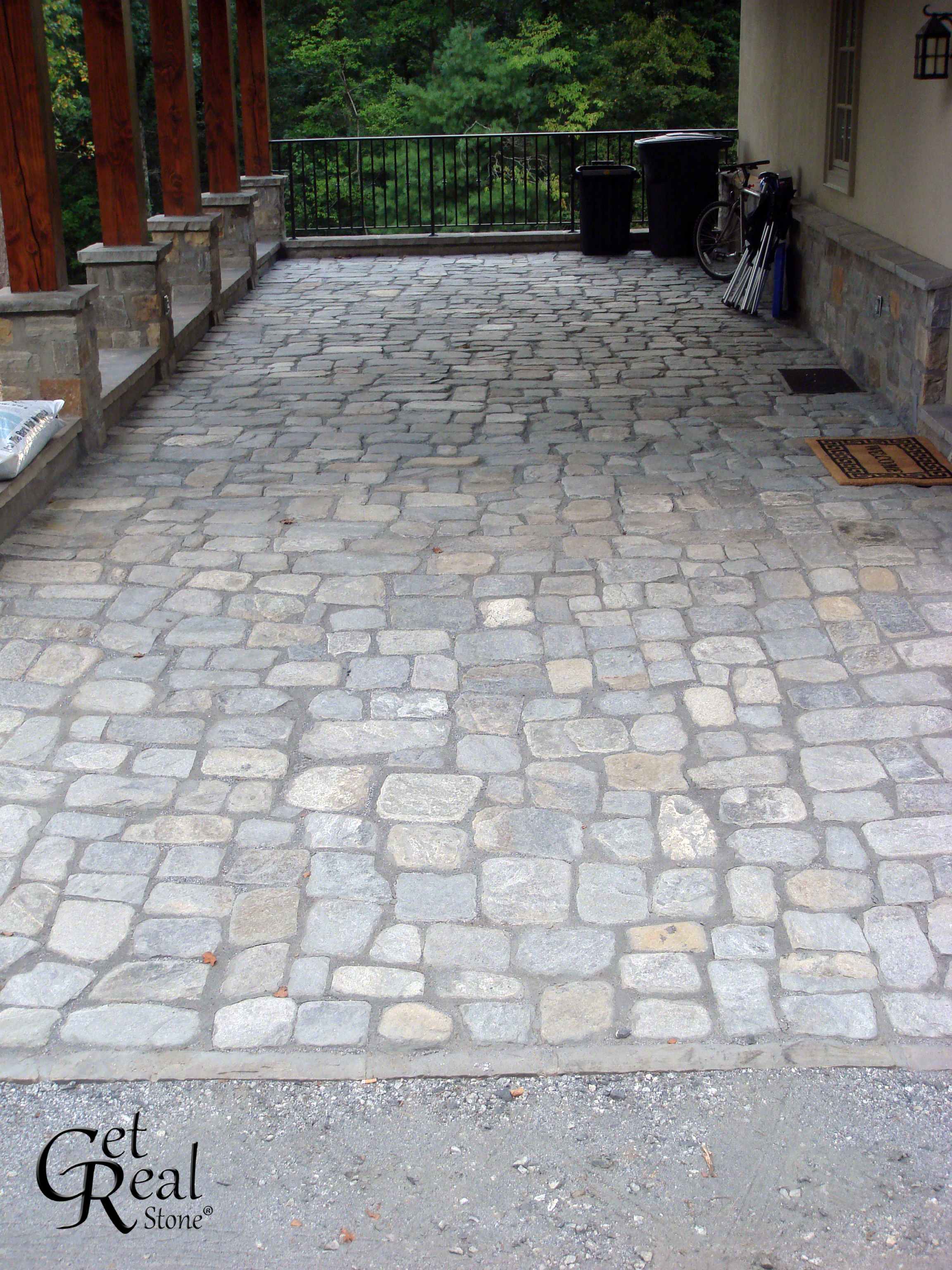 Coyote Gray Tumbled Cobbles